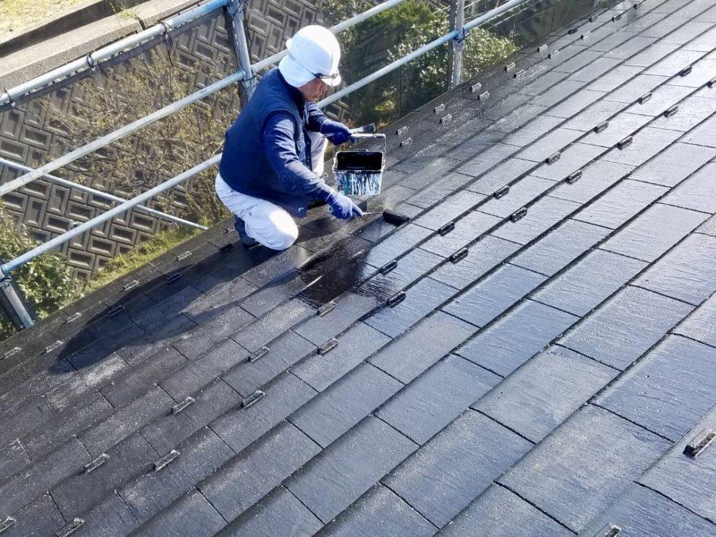 瓦屋根塗装作業の様子(新潟市内)